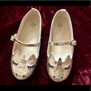 Gap Kids Toddler 11 Gold Sparkly Unicorn Shoes